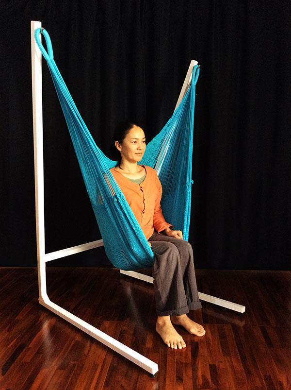 チェアハンモック乗り方2: ハンモックに腰掛ける
